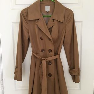 Halogen trench coat.